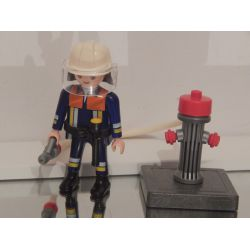Pompier En Action Et Borne A Incendie Playmobil