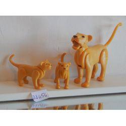 Lionne Et Deux Petits Playmobil