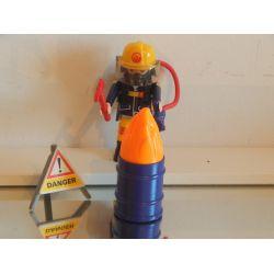 Pompier En Action Et Bidon En Feu Playmobil
