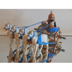 Superbe Quadrige Romain Et Lieutenant Des Romains Playmobil