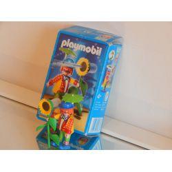 Clown Et Tournesol Lance Eau Dans Sa Boite Le Monde Du Cirque 4238 Playmobil