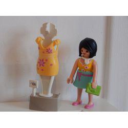 Séance De Shopping Avec Maman En Robe Clipsable Et Robe Clipsable Sur Portant Playmobil